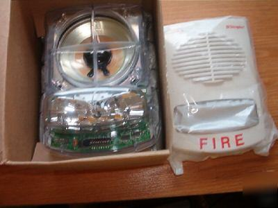 8 Simplex True Alert Fire Alarms W Strobe 4903 9355
